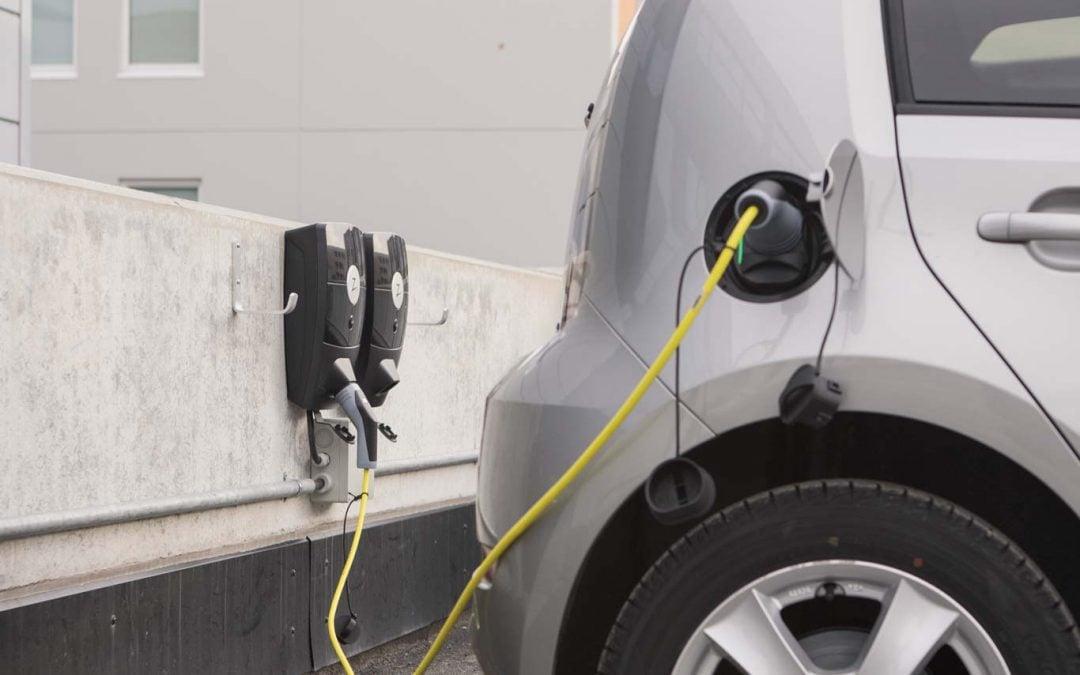 Hundvåg og Storhaug hjemmebaserte tjenester har fått installert ladestasjoner til lading av elbiler fra ZAPTEC