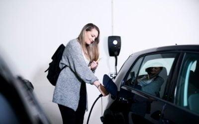 Hvor lang tid tar det å lade en elbil?